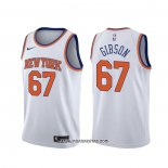 Camiseta New York Knicks Taj Gibson #67 Association Blanco